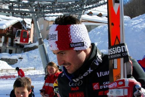 JB avec des fans à Valloire au lendemain de sa victoire en slalom, lors de la Coupe du Monde 2009