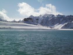 Le lac de la vieille sous la première neige. Photo: Issue de la page Face Book du Snowpark de Valloire Galibier.