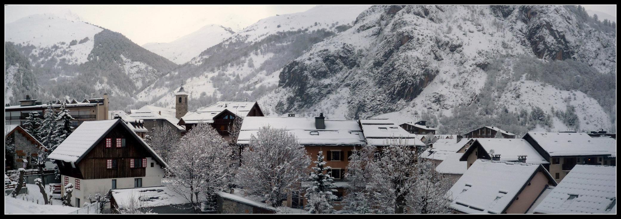 Valloire village panoramique